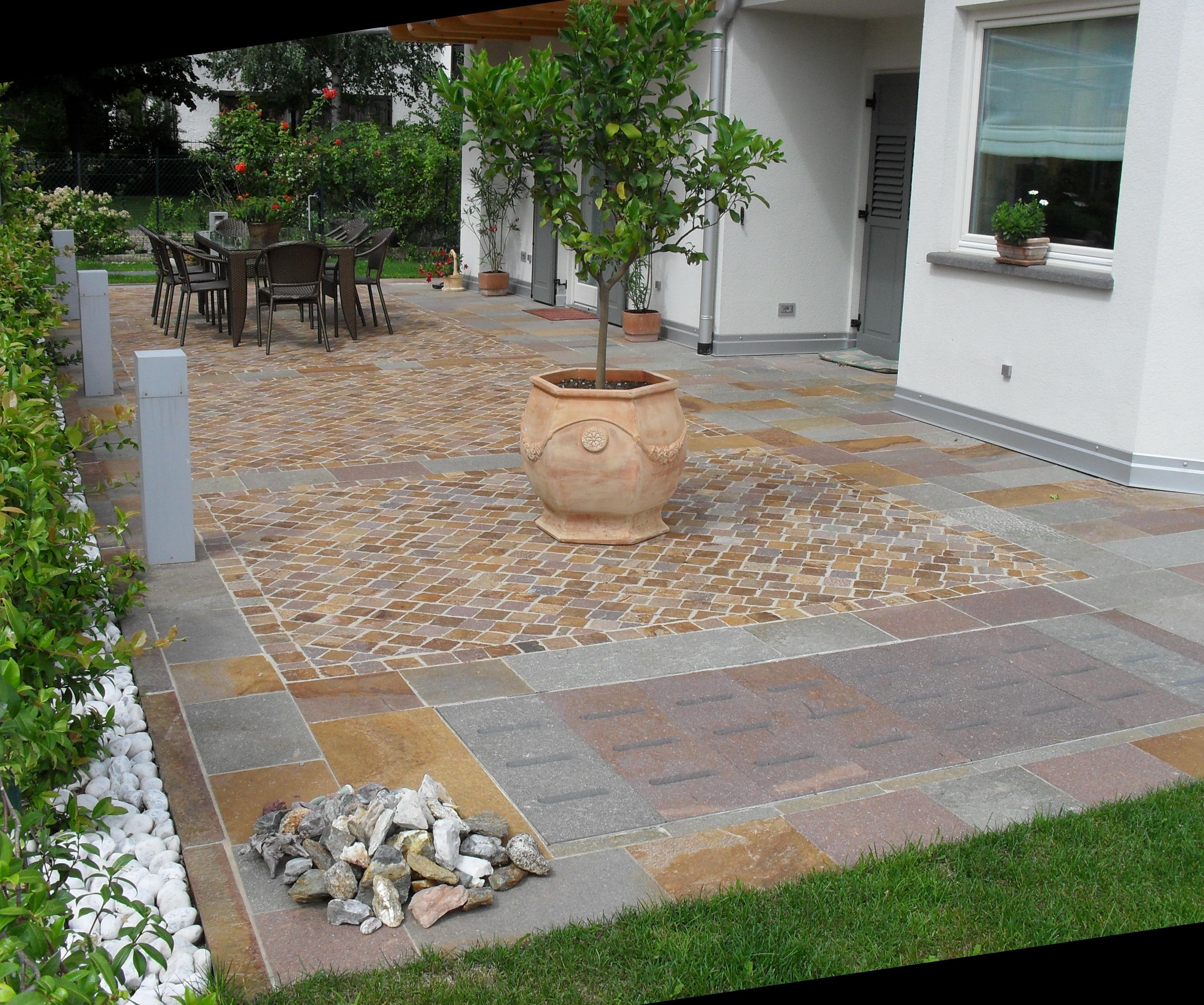 Pavimentazione con piastrelle giovanella pavimentazioni srl for Miglior software di costruzione della casa